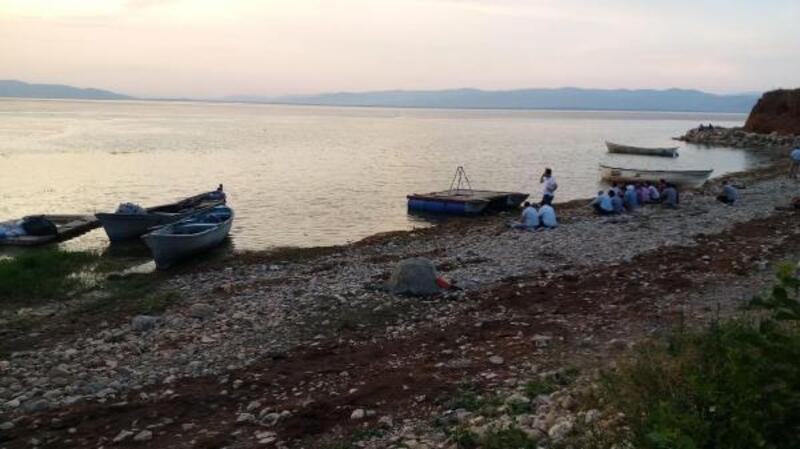 Manisa'da kayık alabora oldu: 3 kişi kurtarıldı, 2 kişi kayıp