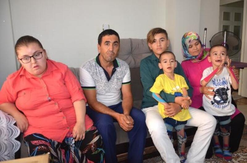 İkizleri ile birlikte 3 çocuğu engelli aile zor durumda