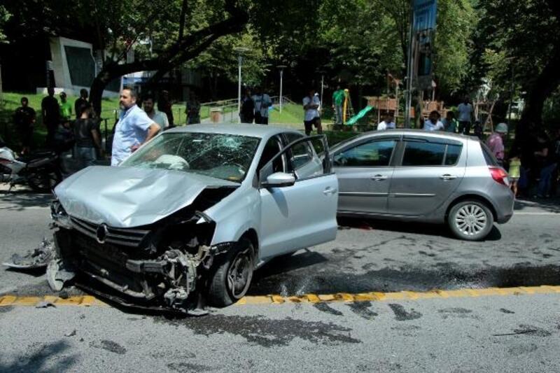 Şişli'de otomobilin çarptığı kaldırımdaki kadını hayatta tutabilme seferberliği