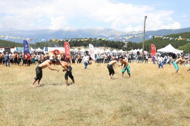 Türk Dünyası Ata Sporları Şenliği başladı