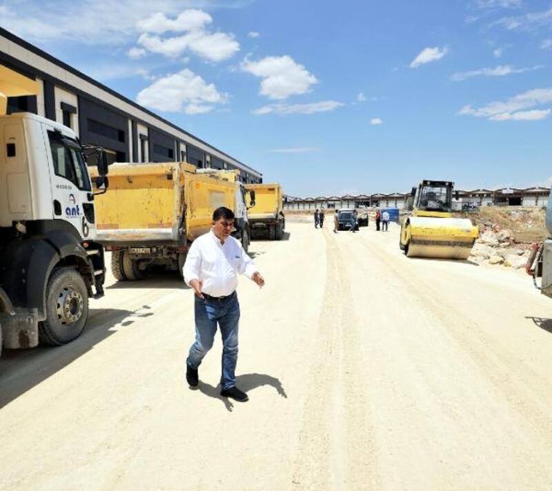 Fadıloğlu, asfalt çalışmalarını inceledi