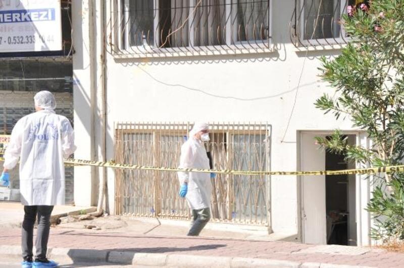 Azeri boyacı evinde ölü bulundu