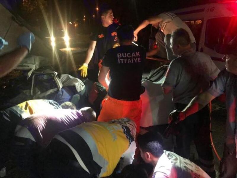 Burdur'da kaza: Sürücü, amcası ve dedesi öldü