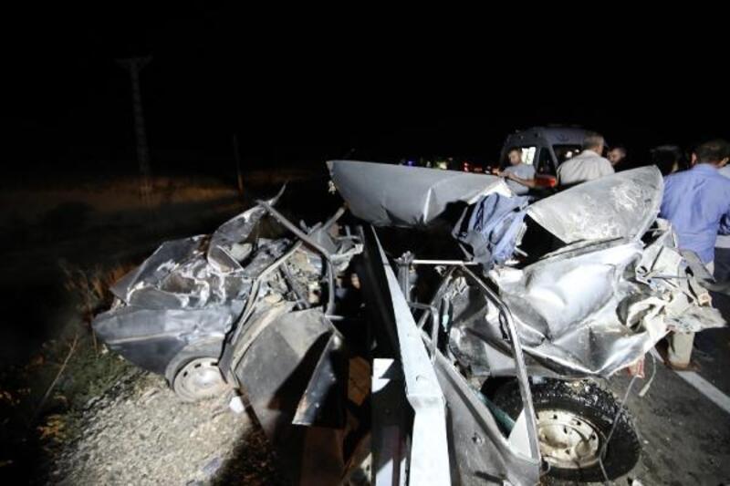 Malatya'da otomobil ile minibüs çarpıştı: 8 yaralı