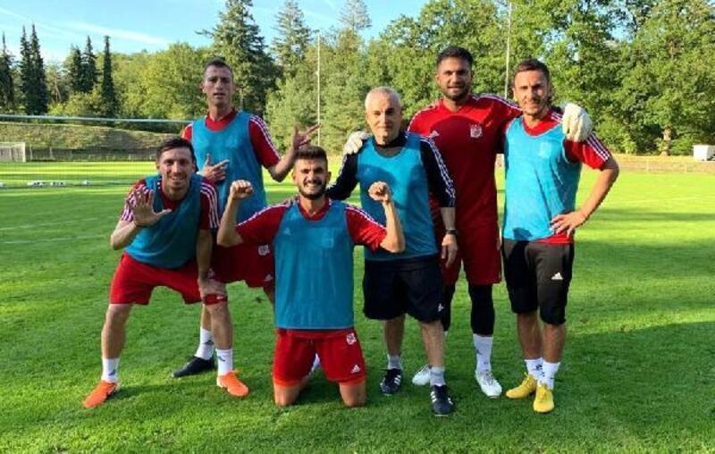 Demir Grup Sivasspor'un Hollanda kampı başladı