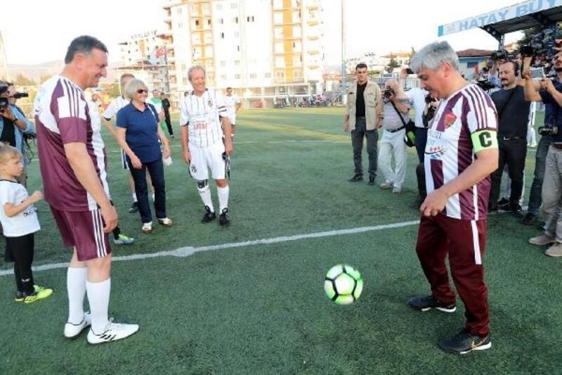 Hatay Şöhretler ile Beşiktaş Şöhretler maçında dostluk kazandı