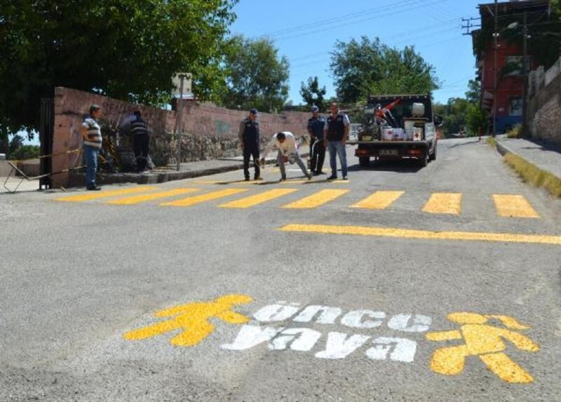Kırıkhan'da, 'Önce Yaya' projesi hayata geçiriliyor