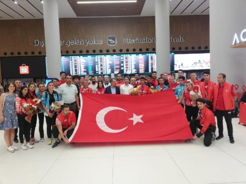 U20 Atletizm Milli Takımı yurda döndü