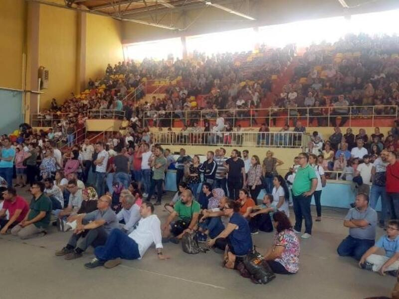 Çorlu'da TOKİ'den ev sahibi olanlar duygulu anlar yaşadı