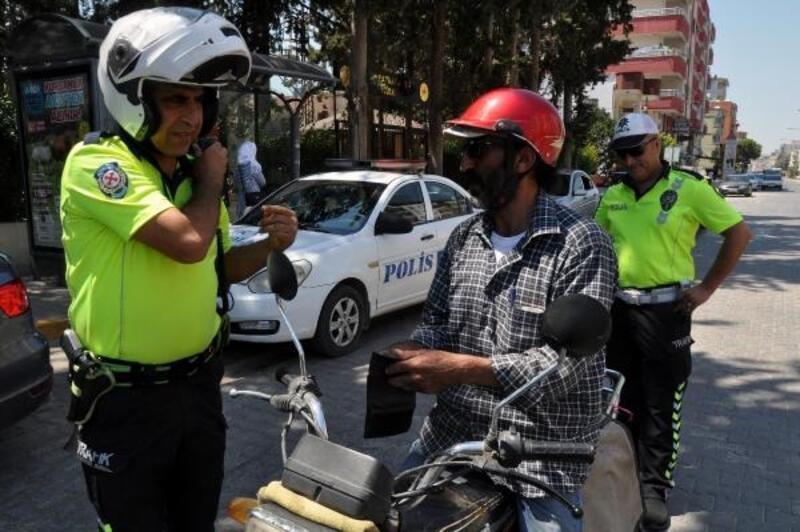 Motosiklet sürücülerine MOBESE'den kask denetimi