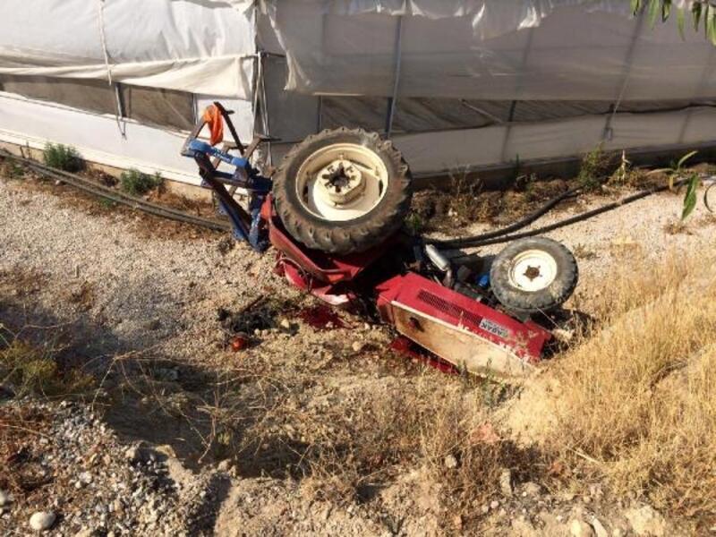 Traktör devrildi, sürücü yaralandı