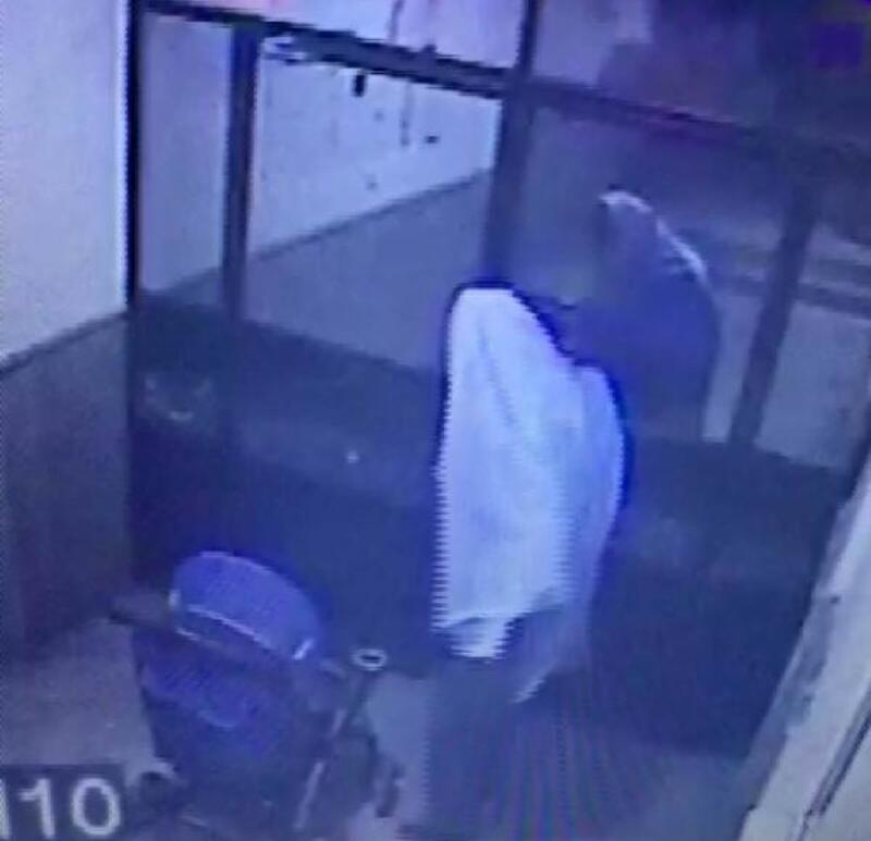 Bebek arabası hırsızı yüzünü beyaz örtüyle kapattı