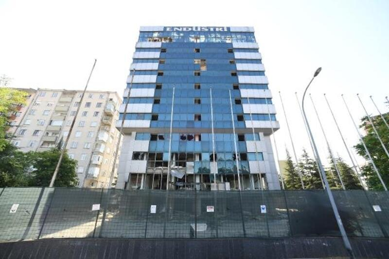 Konya Büyükşehir Belediyesi, eski holding binasını yıkıyor