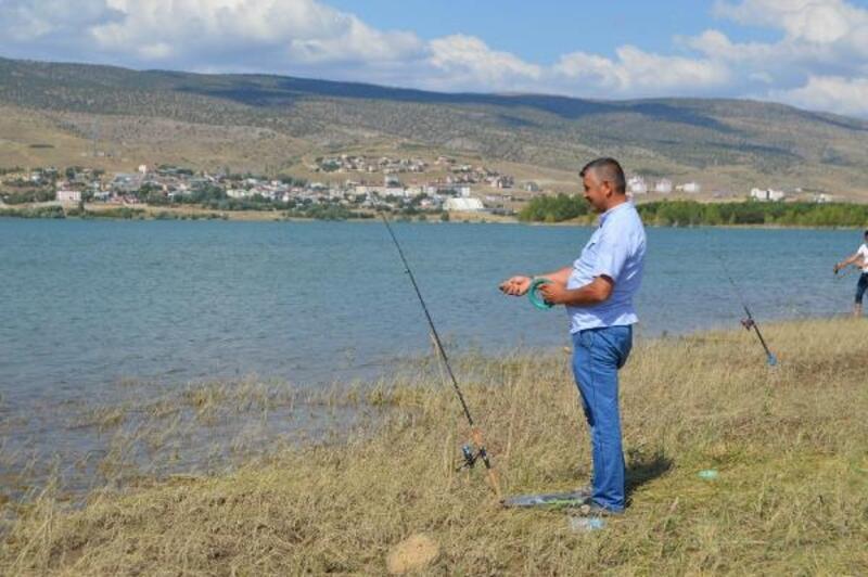 Gölova'da balık tutma yarışması düzenlendi