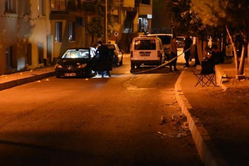 İzmir'de iki grup arasında silahlı kavga: 1 ağır yaralı