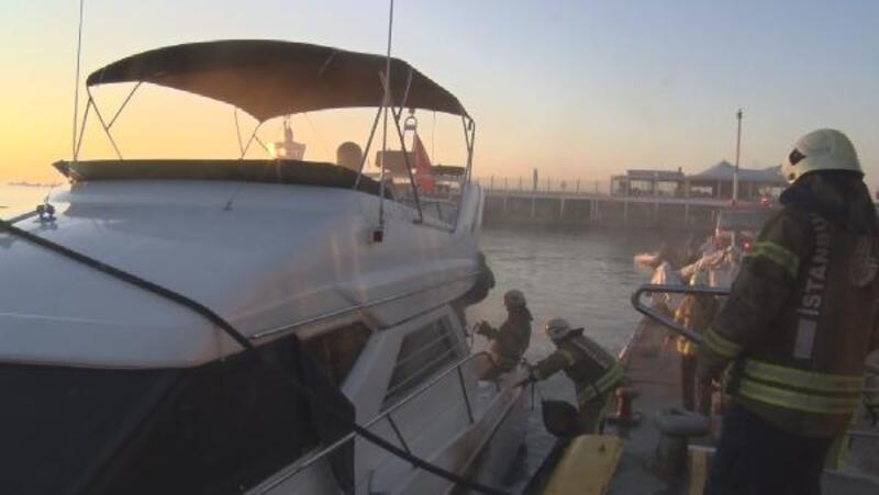 Ataköy Marina'da tekne yangını