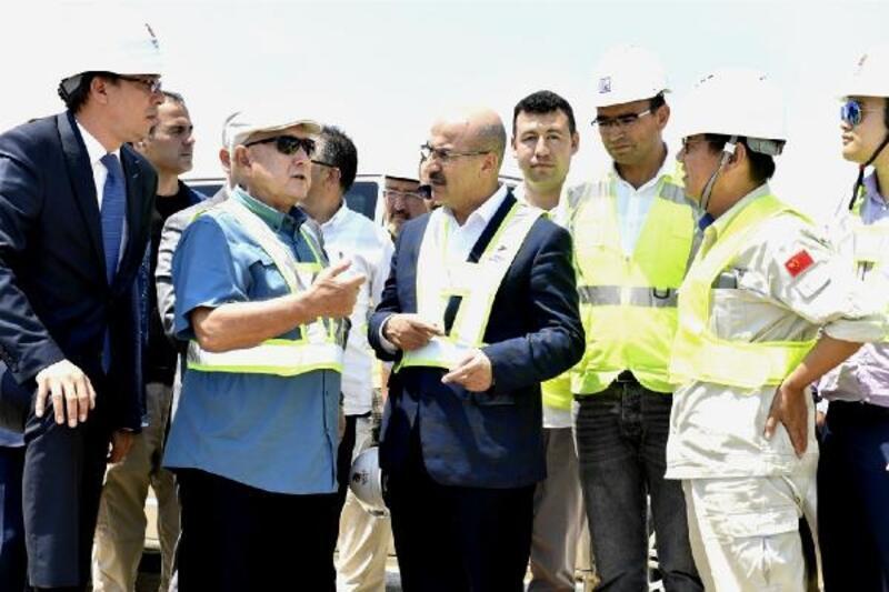 Vali Demirtaş Yumurtalık'ta kurulacak termik santralin inşaatını inceledi