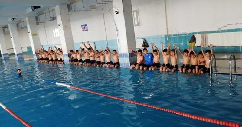 İslahiye Belediyesi'nde ücretsiz yüzme kursu