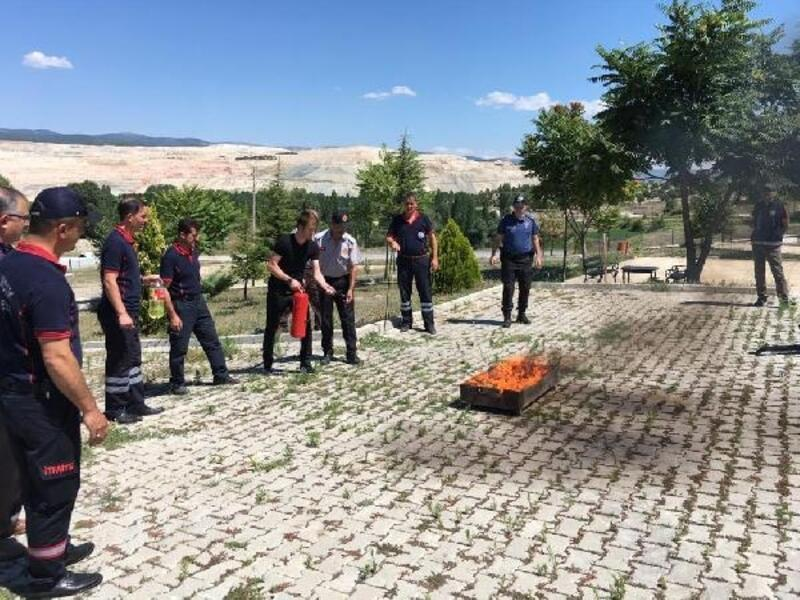 Emniyet personeline yangın söndürme eğitimi