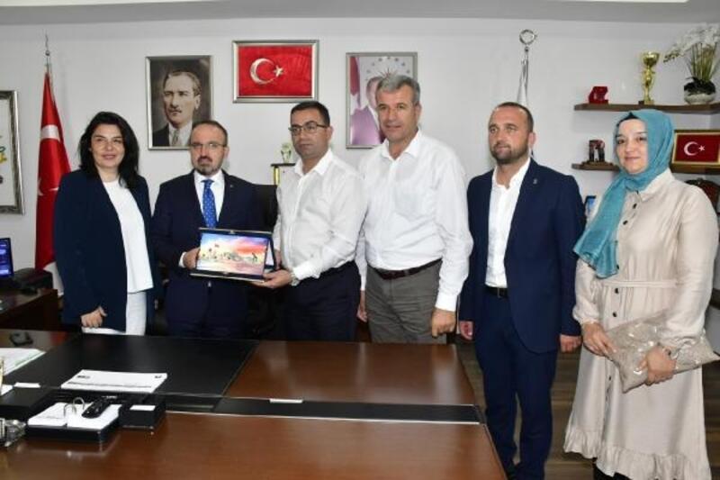AK Parti'li Turan: Biga'nın hak ettiği yere gelmesi için hep birlikte çalışacağız
