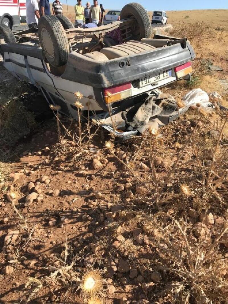 Akçakale'de otomobil takla attı: 1 ölü, 3 yaralı