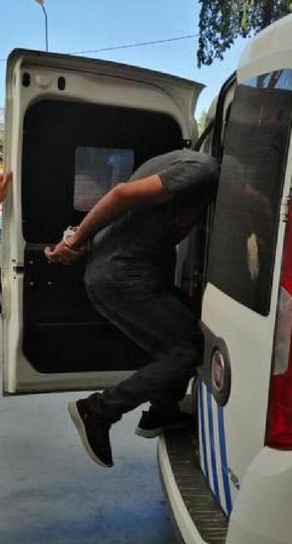 Şüpheli araçtan aranan uyuşturucu şüphelisi çıktı
