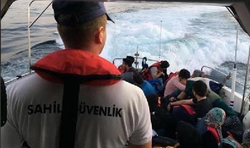 Denizde uçaktan tespit edilen kaçaklar yakalandı