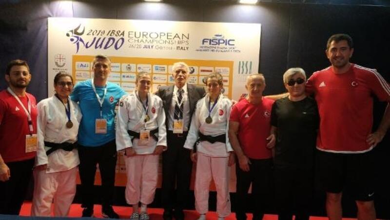 İtalya'da Judo Milli Takımı madalyaya doymuyor