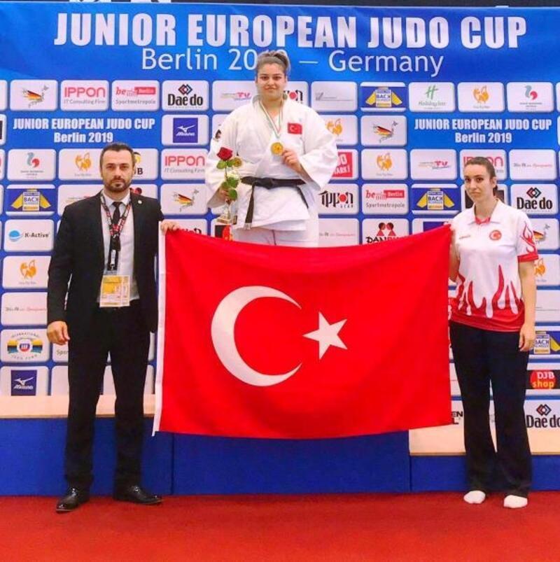 Judo'da Kübranur Esir bronz madalya kazandı
