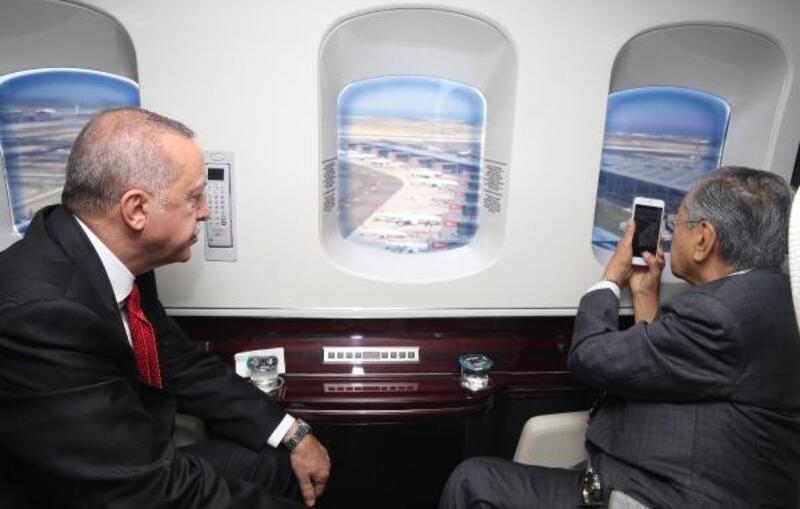 Erdoğan, Malezya Başbakanı'na İstanbul'u havadan tanıttı