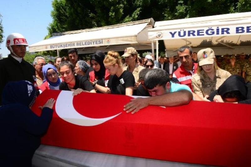 Şehit Sözleşmeli Er Metin Yıldız, son yolculuğuna uğurlandı