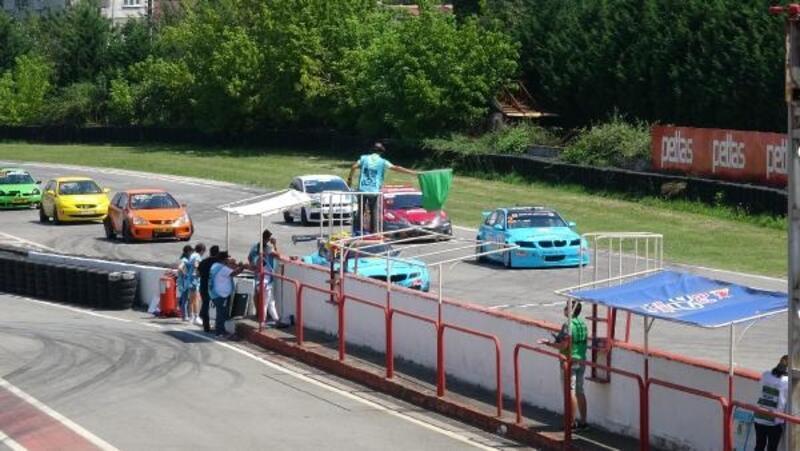 Türkiye Pist Şampiyonası yarışları Kocaeli'de devam ediyor