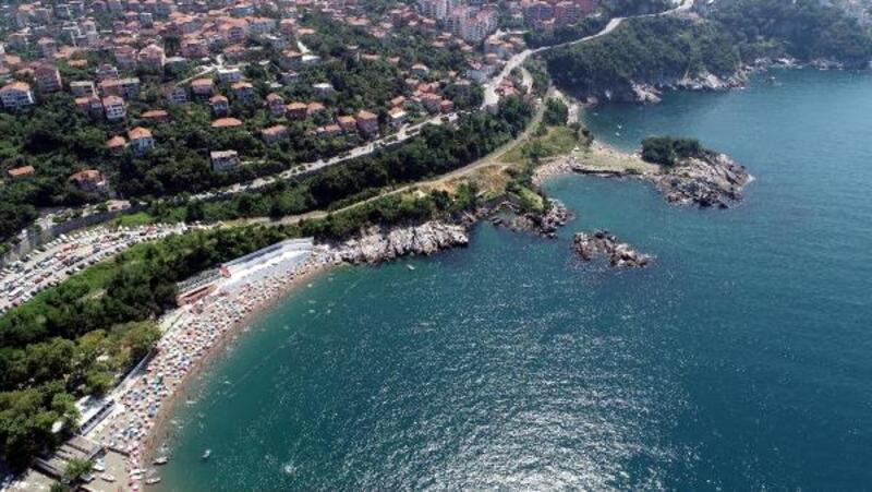 Zonguldak sahillerindeki tatilci yoğunluğu havadan görüntülendi