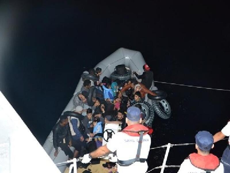 Balıkesir'de 32 kaçak göçmen yakalandı