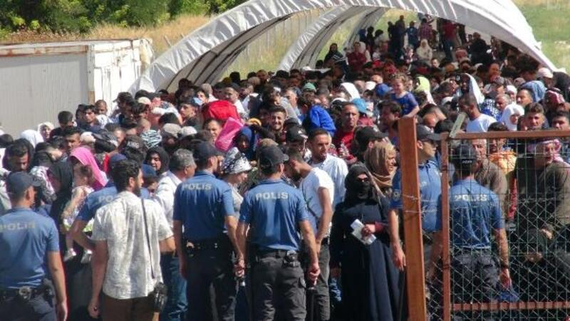 Öncüpınar'dan bayram için giden Suriyeli sayısı 5 bini aştı