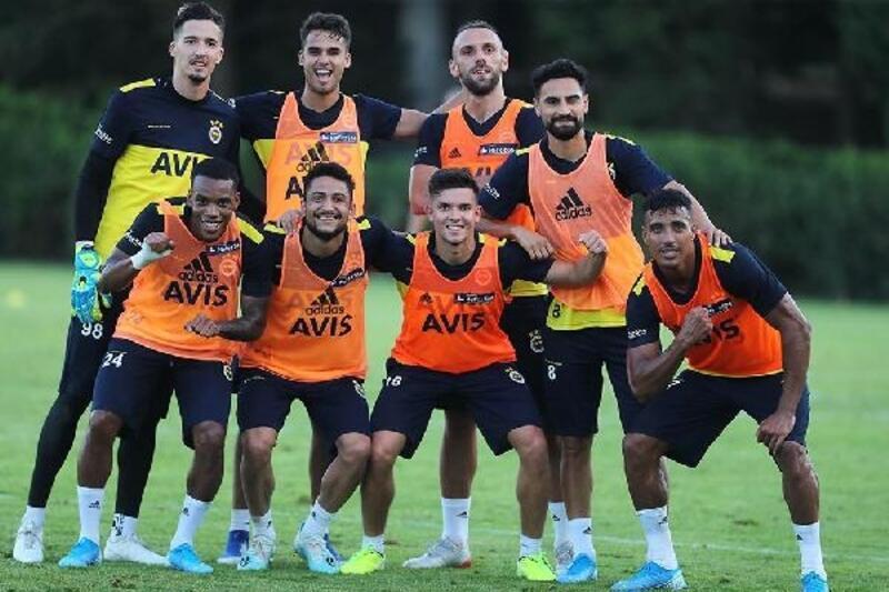 Fenerbahçe, günün ikinci idmanını yaptı