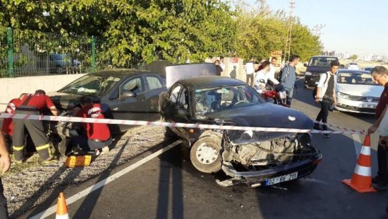 Adıyaman'da otomobiller çarpıştı: 5 yaralı