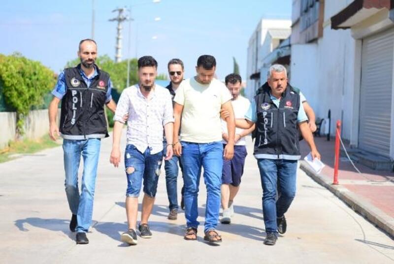 Otomobilde uyuşturucuyla yakalanan 3 Suriyeli tutuklandı
