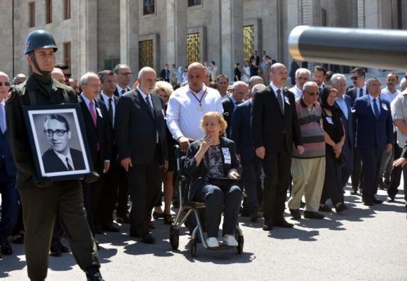 TBMM eski Başkanı Bozbeyli için Meclis'te tören