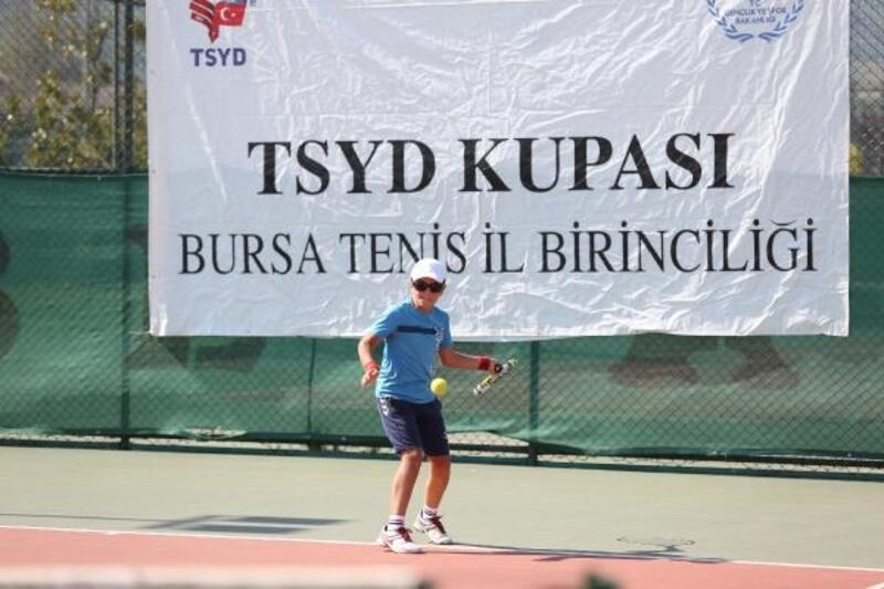 14 Yaş TSYD Bursa Tenis İl Birinciliği Turnuvası heyecanı başladı