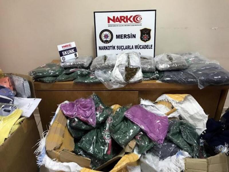 Kargoyla gelen tekstil ürünleri arasından uyuşturucu çıktı