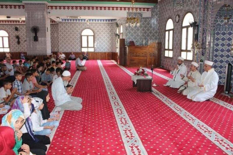 Camide çocuk ve ailelerin buluşması etkinliği