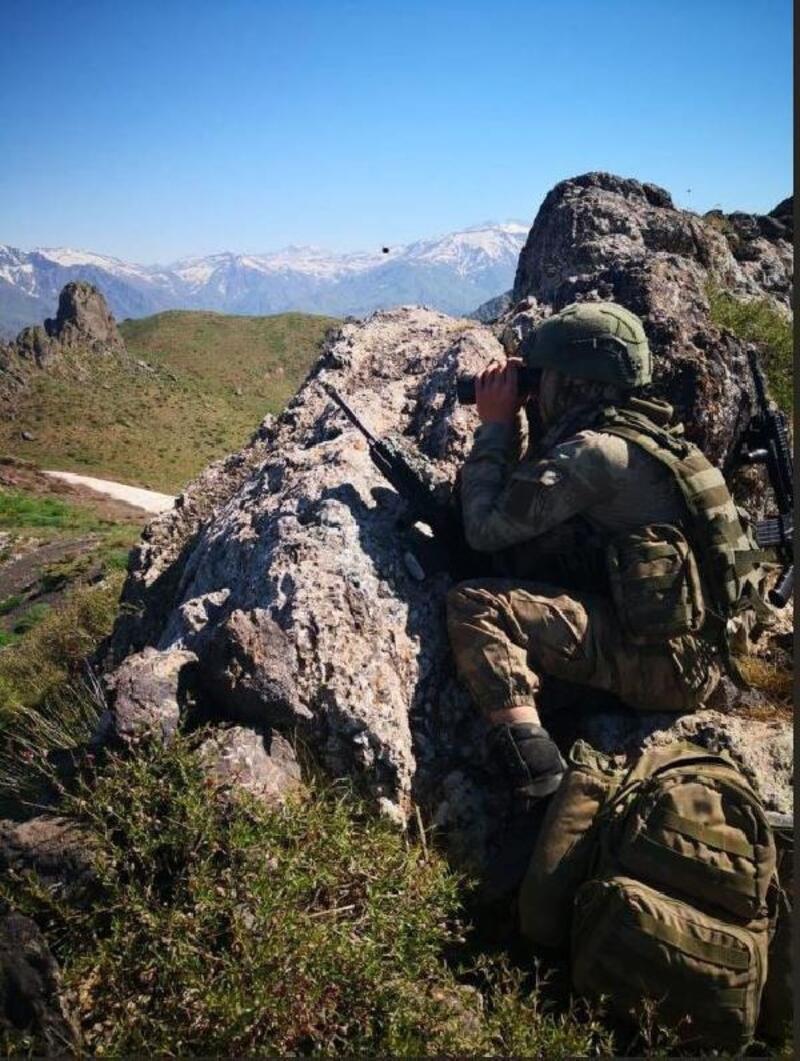 Türkiye'ye sızmaya çalışan 2 terörist etkisiz hale getirildi