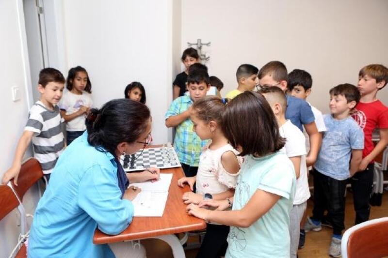 Bolu'da 218 öğrenci ücretsiz satranç öğreniyor