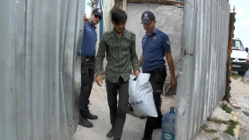 Avcılar'da kaçak göçmen operasyonu
