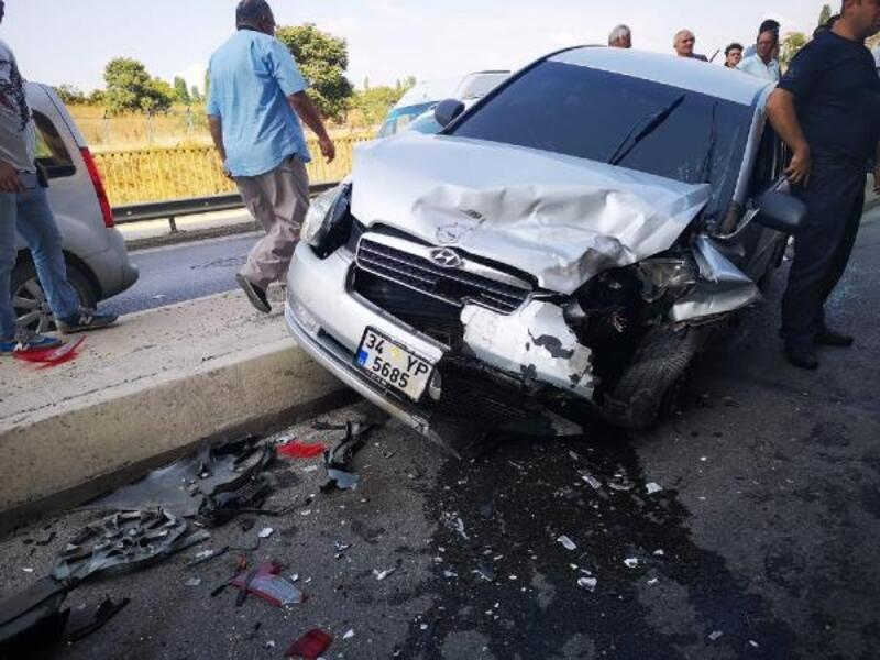 Kartal'da zincirleme trafik kazası: 3 yaralı
