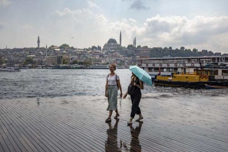 İstanbul'un bazı bölgelerinde yağmur etkili oldu
