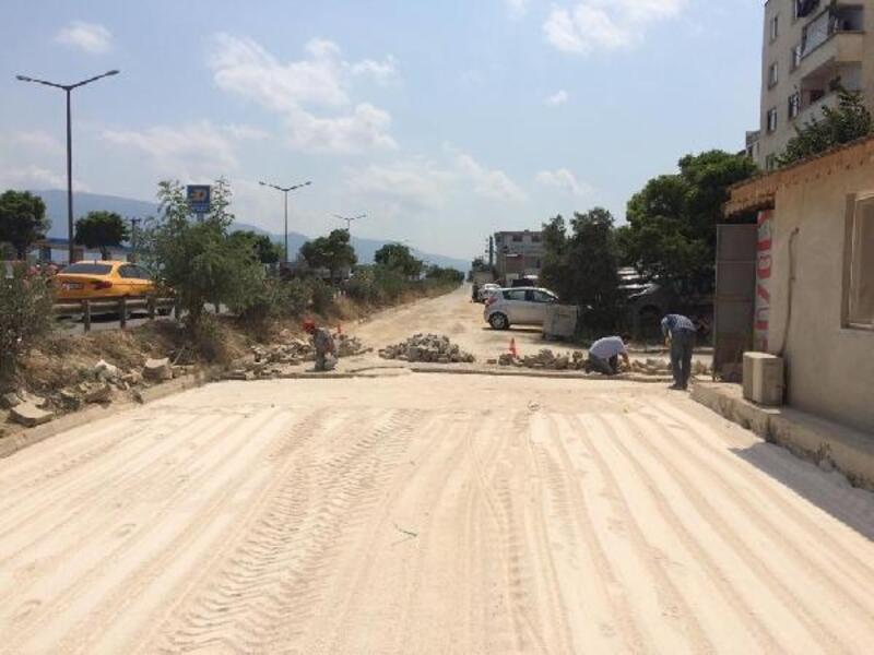 Orhangazi'de yol ve parke çalışmaları sürüyor