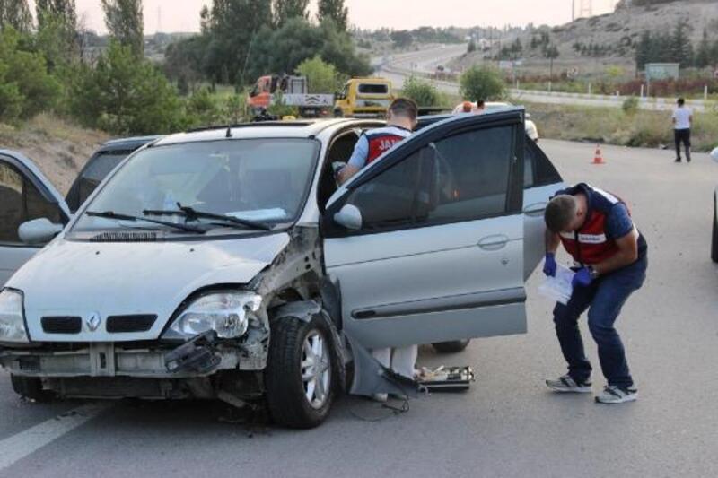 Torunun düğününe gelen dede, kazada öldü