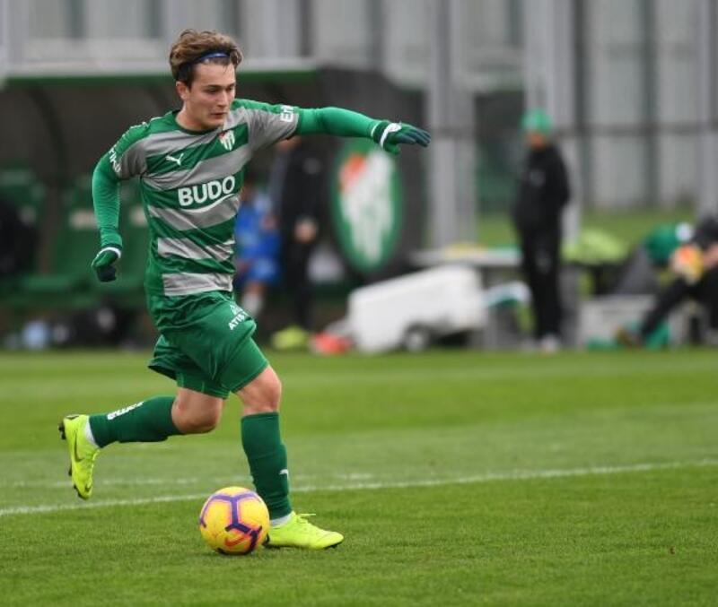 Bursaspor'un yeni genç değeri Ali Akman